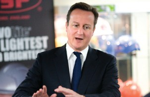 David Cameron backs F1 in Schools initiative